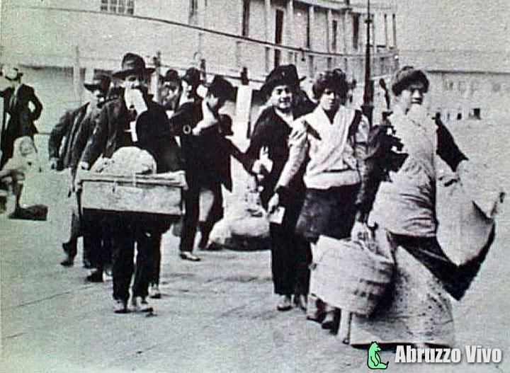 emigranti1 Il fenomeno dell'emigrazione in Abruzzo