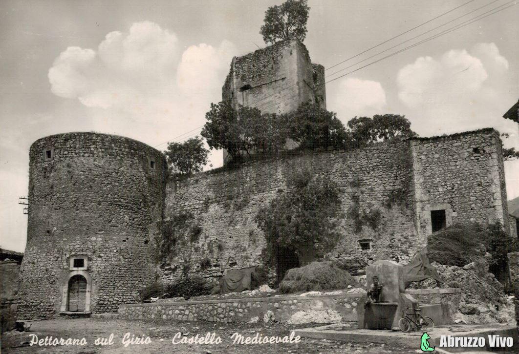 pettorano_sul_gizio_castello_medioevale1 Pettorano sul Gizio