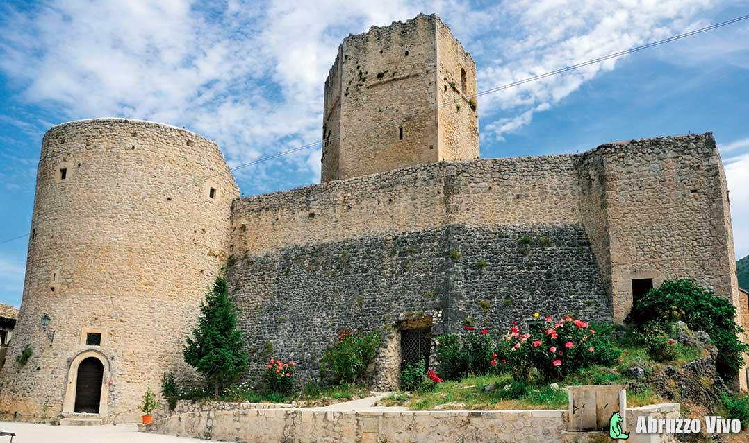 Castello Cantelmo - Credit foto: comunivirtuosi.org