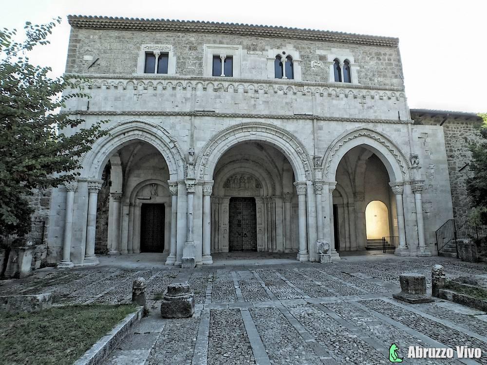 clemente-casauria-008 Alla scoperta dell'Abbazia Benedettina di Castiglione a Casauria