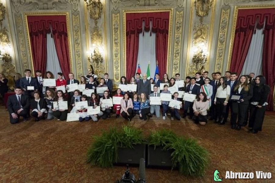 """Attestati di Alfiere della Repubblica conferiti dal presidente Mattarella a 25 giovani, ci sono anche due ragazzi abruzzesi """"costruttori di comunità"""" - Cronaca Eventi"""